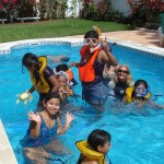 A snorkeling class was held in the pool of FOC volunteers Mike and Hettie.